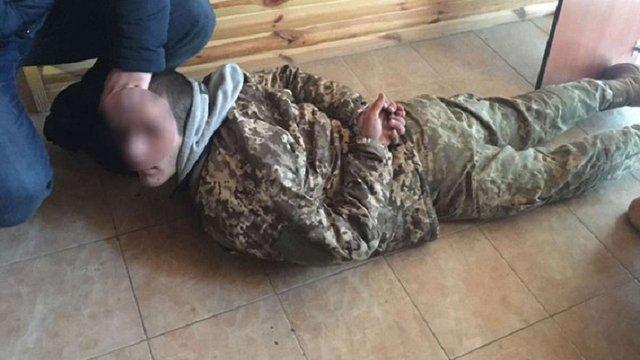 На Київщині затримали озброєну банду викрадачів