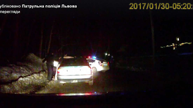 У Львові на водія-втікача від поліції склали 5 адмінматеріалів і вилучили BMW