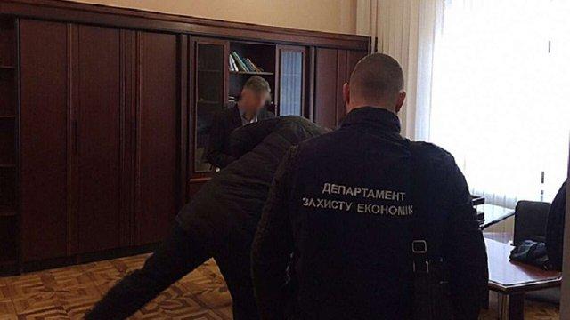 Директора департаменту міськради Дніпра підозрюють у махінаціях на ₴2,5 млн