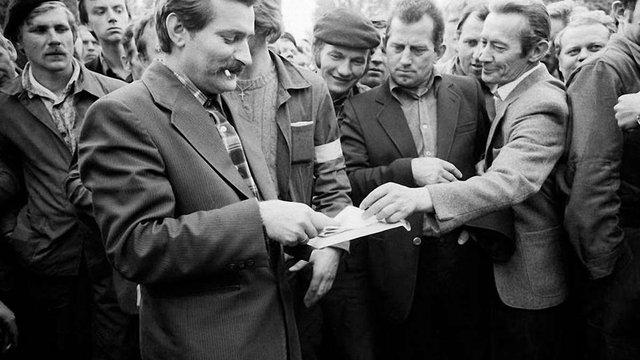 Графологи підтвердили співпрацю Валенси з комуністичними спецслужбами
