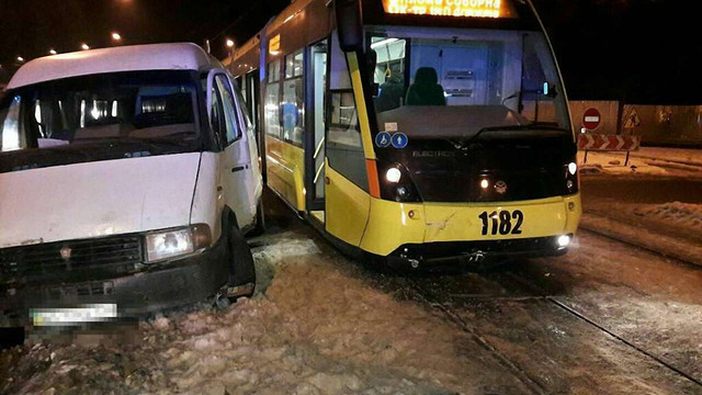 Через аварію на Стуса у Львові не курсують трамваї на Сихів