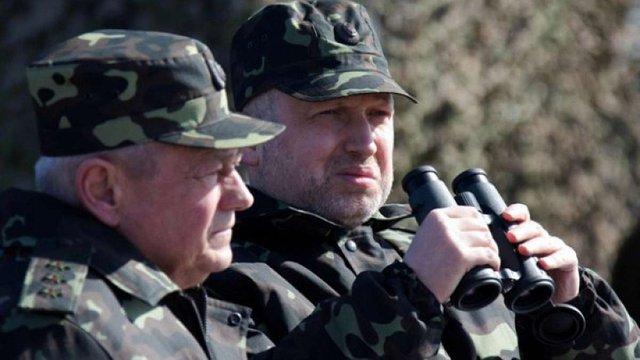 Турчинов підтвердив ознаки підготовки наступу збройних сил РФ на Донбасі