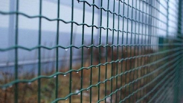 Латвія побудувала на кордоні з Росією захисну стіну довжиною 23 кілометри