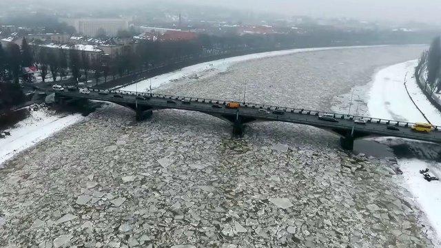 У мережі з'явилися вражаючі кадри турлашів на ріках Закарпаття
