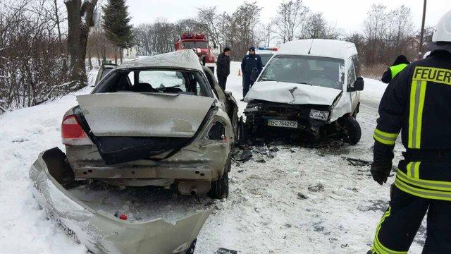 Унаслідок ДТП на Львівщині постраждали четверо людей, одна пасажирка загинула