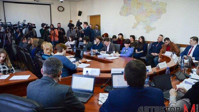 Львівський суд заборонив Нацраді розглядати питання про продовження ліцензії радіо «Вести»