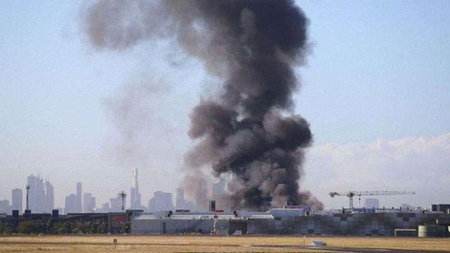 В Австралії легкомоторний літак врізався в торговий центр