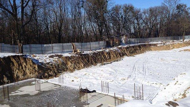 Суд заборонив будівництво готелю на «Знесінні» до прийняття остаточного рішення