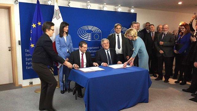 Євросоюз і Грузія підписали угоду про безвізовий режим