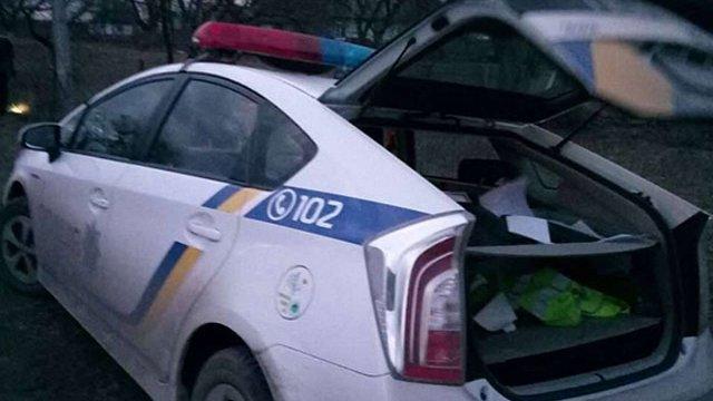 На Волині поліцейські-хабарники втікали від поліції, дорогою викидаючи гроші та талони на пальне
