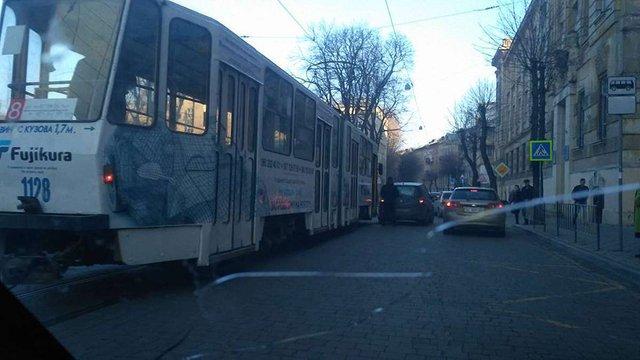 Через ДТП у Львові не курсують трамваї №8