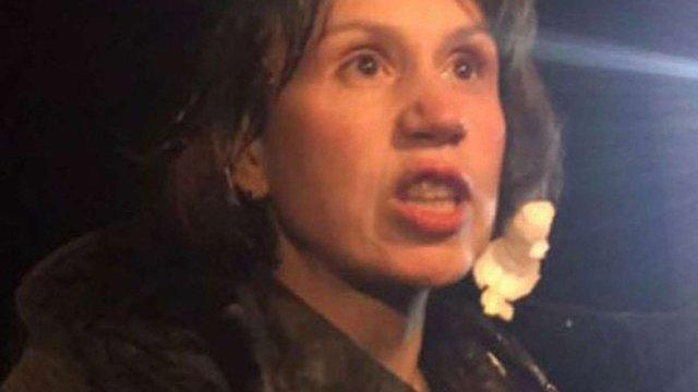 Учасники торговельної блокади на Донбасі закидали Тетяну Чорновол яйцями