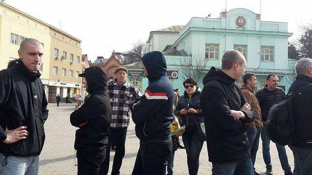 В Ужгороді під час акції за права жінок виникла сутичка