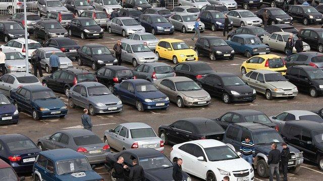 Українці стали втричі частіше купувати старі автомобілі