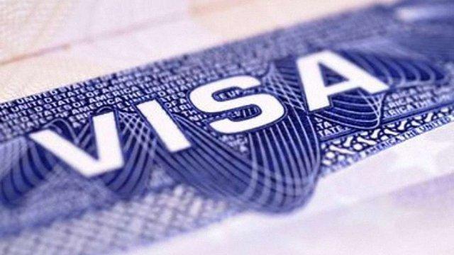 В Україні планують ввести систему електронних віз для іноземців