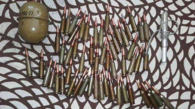 На Львівщині чоловік зберігав патрони та гранату у кухонній шафі та в жіночій сумочці