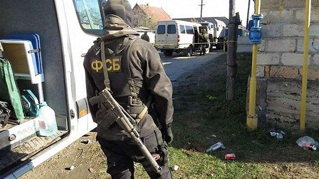 ФСБ затримала на кордоні з окупованим Кримом двох українських правозахисників