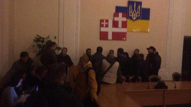 Протестувальники захопили Волинську ОДА через затримання «блокадників» окупованого Донбасу