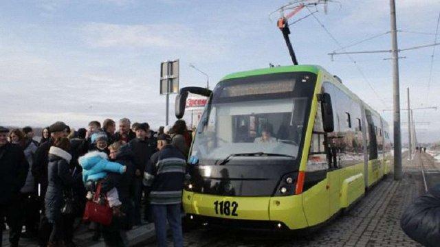 Через місяць львівський трамвай №8 поїде на Санта-Барбару