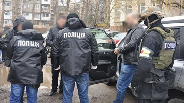 В Чернівцях за хабар у ₴230 тис. затримали чиновника міського управління освіти