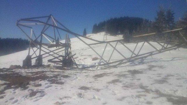 На Івано-Франківщині невідомі вже вдруге намагалися здати на металобрухт 25-метрову електроопору
