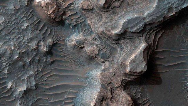 На Марсі знайшли сліди існування великого озера у долині