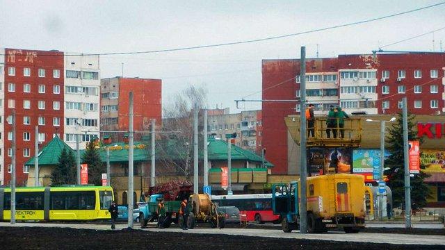 На Сихові почали монтаж контактної мережі для продовження маршруту трамвая №8