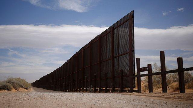 Стіну на кордоні Мексики і США планують зробити не лише міцною, але й естетично гарною