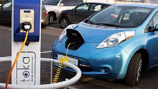 Україна зайняла п'яте місце у світі за темпами збільшення кількості електромобілів