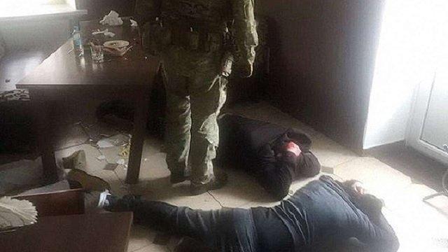 У Хмельницькій області затримали банду рекетирів, серед яких був поліцейський