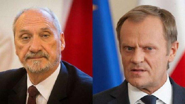 Міністр оборони Польщі звинуватив екс-прем'єра Туска у зраді державних інтересів