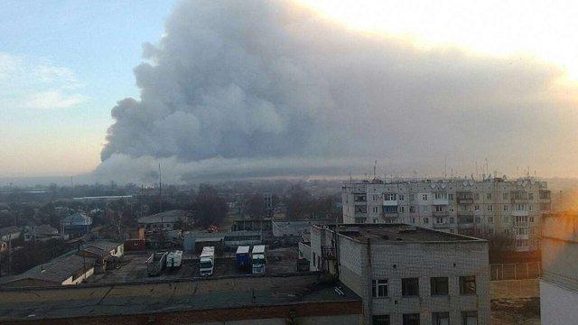 Пожежа на військових складах у Балаклії розростається