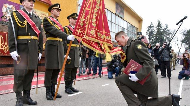 Із Академії сухопутних військ достроково випустили 150 лейтенантів