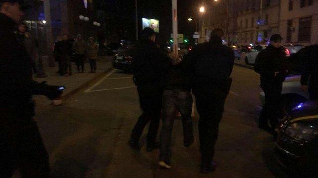 Стали відомі подробиці стрілянини біля елітного ресторану у центрі Києва