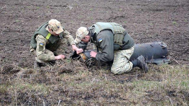 Міноборони планує сьогодні ліквідувати останні осередки тління на військових складах в Балаклії