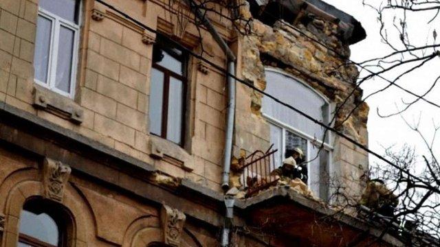 У центрі Одеси обвалився фасад 100-річного будинку-пам'ятки архітектури