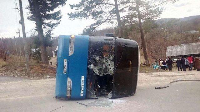 На Івано-Франківщині перекинувся автобус з паломниками