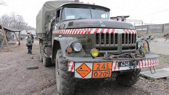 На базі в Балаклії тривають поодинокі вибухи боєприпасів, – ДСНС