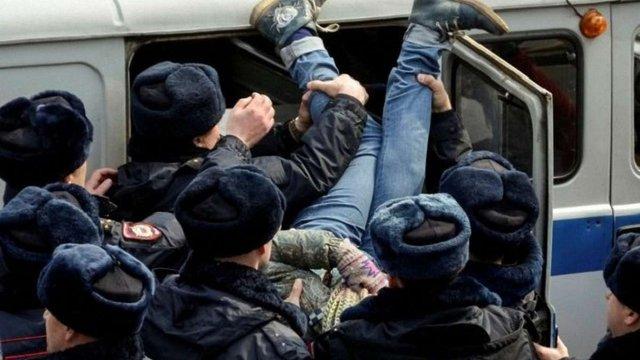 Кількість затриманих на мітингах у Москві перевищила 1 тис. осіб