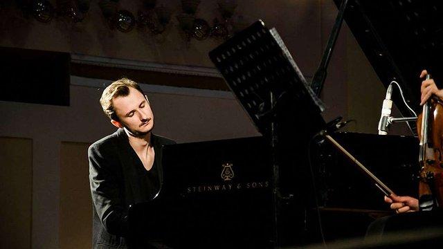 У Львівській філармонії відбудеться концерт піаніста та композитора Єгора Грушина