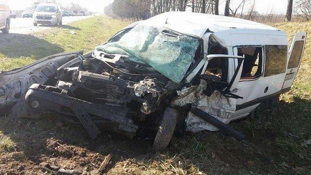 На кільцевій дорозі Львова у ДТП потрапило 3 автомобілі