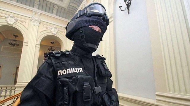 МВС посилило охорону дипломатичних представництв в Україні