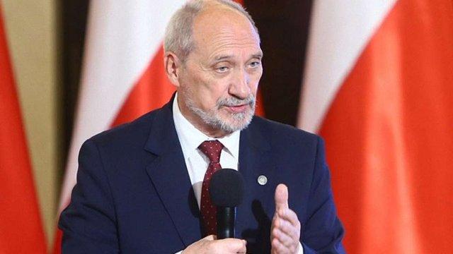 Обстріл консульства в Луцьку – це навмисна провокація, – міністр оборони Польщі