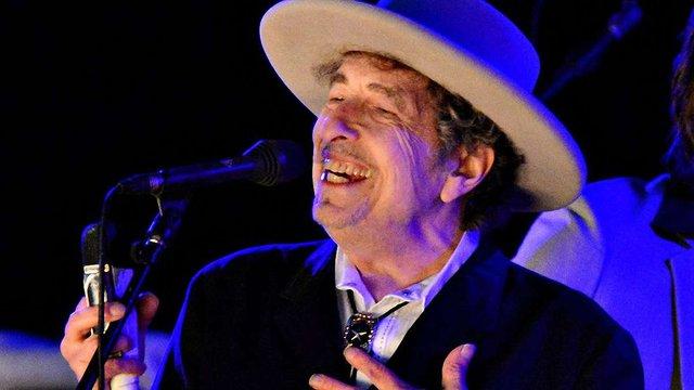 Боб Ділан нарешті забрав свою Нобелівську премію з літератури