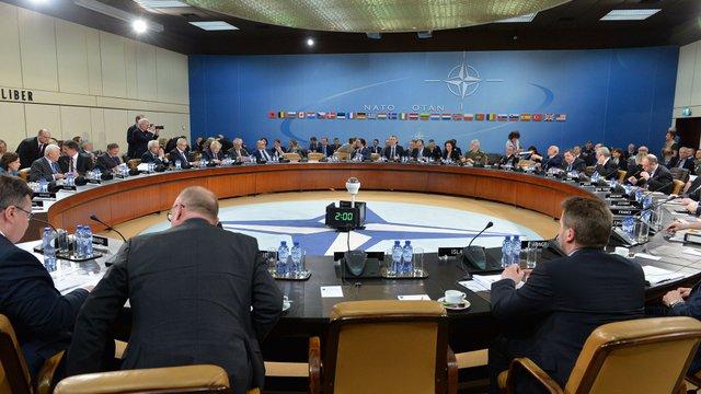 На саміті голів МЗС країн НАТО Канада висловила підтримку Україні