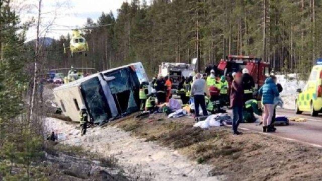 У Швеції перекинувся автобус зі школярами: троє загиблих