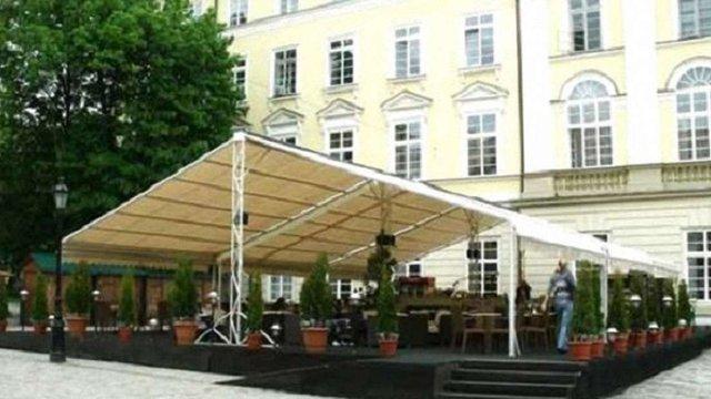У Львові перевірятимуть законність встановлення літніх майданчиків