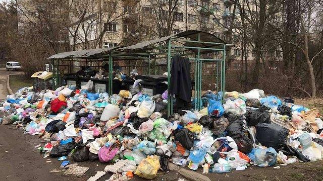 Головні лікарі Львова просять  президента та уряд допомогти з вивезенням сміття