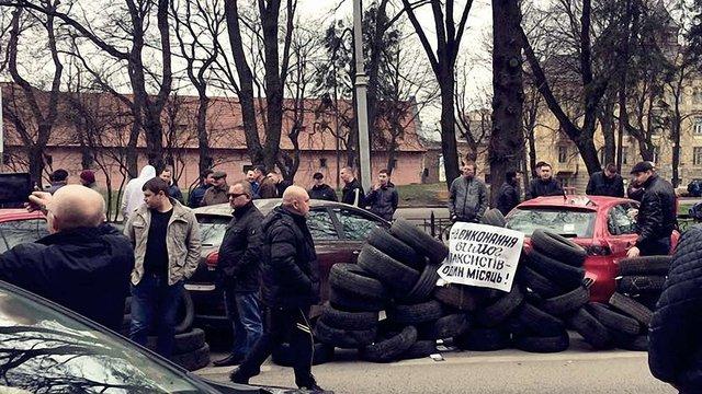 Львівські таксисти вимагають змінити законодавство для заборони Uber