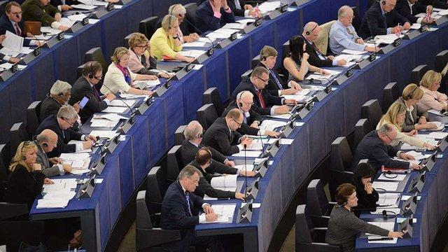 Європарламент під час дебатів підтримав безвіз для України, проти були проросійські депутати